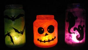 Spooky-DIY-Halloween-Decorations-Set-up